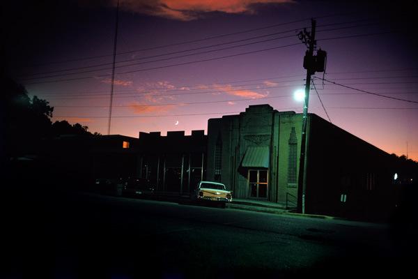 William Eggleston, Downtown Morton, Mississippi (Guide, 1976)
