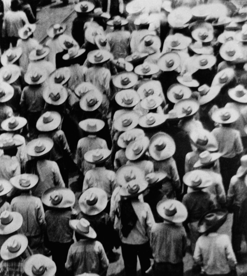 Tina Modotti, La parata dei lavoratori, 1926